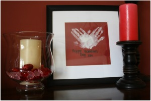 Hand Print Present